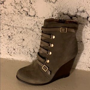 Never Worn, BCBGeneration green leather booties